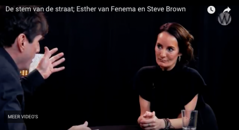 Café Weltschmerz: De stem van de straat; Esther van Fenema en Steve Brown‬ (video).